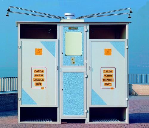 TAHITI con box per 2 docce calde e 4 fredde con cabine